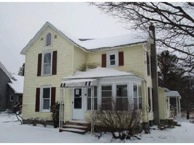 3 Bed 1.5 Bath Foreclosure Property in Richfield Springs, NY 13439 - Walnut Grove St