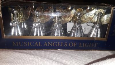 New in box MUSICAL ANGELS OF LIGHT 10 ANGLES 12 SONGS