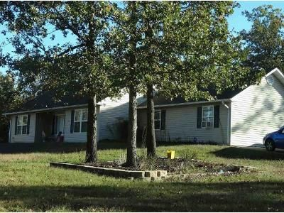 3 Bed 2 Bath Foreclosure Property in West Plains, MO 65775 - Private Road 1774