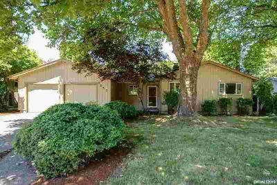 1557 NW Forestgreen Av CORVALLIS, Conveniently located