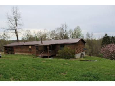 3 Bed 2 Bath Foreclosure Property in Grafton, WV 26354 - W Hill Rd