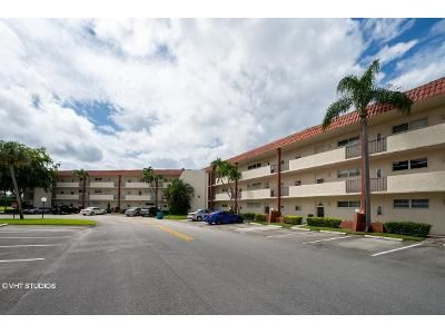 2 Bed 1.5 Bath Foreclosure Property in Hollywood, FL 33025 - S Hollybrook Lake Dr Apt 305