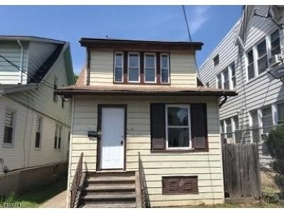 3 Bed 2 Bath Foreclosure Property in Paterson, NJ 07514 - E 32nd St