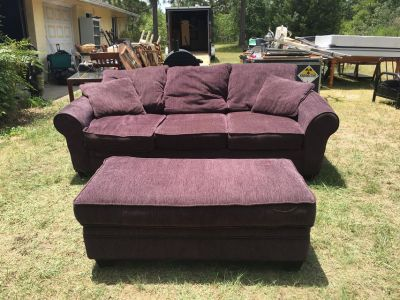 COUCH WITH OVER SIZED OTTOMAN