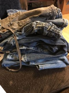 Lot of 5 jeans and 1 pair of shorts