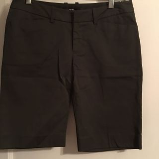 NEW w/ o Tag Mossimo Sz 4 Stretch Dark Olive Shorts ( See Other Photos)