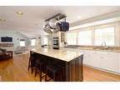 Real Estate For Sale - Four BR, 2 1/Two BA Colonial - Pool