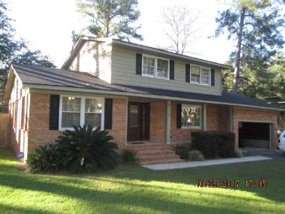 Remodeled Home with Pool in WoodValley