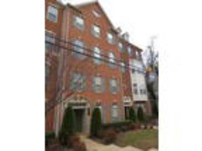 Charming Three BR/ 2.5 BA Townhouse in Indian Head!!
