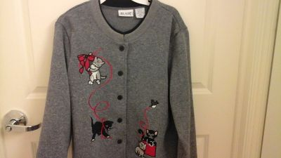 Love Cat & Kittens? Womens Size L. Jacket Excellent condition