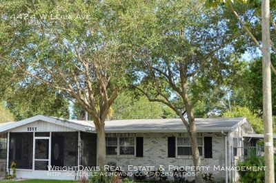 Stylish updated 3 bed/2 bath pool home in South Tampa!