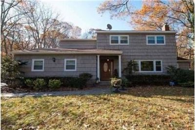4 bedrooms House - Beautiful Home In Park Like Setting W Updated Kitchen W Ss Appliances, Baths.