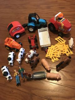Farm playsets, largest tractor lights up and makes sounds