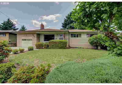 9763 SE 40th Ave Milwaukie Five BR, Fantastic Opportunity.