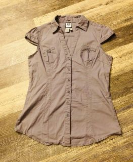 579 Stretch Button Down Cap Sleeves