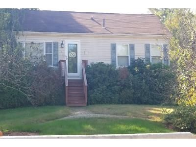 2 Bed 1 Bath Preforeclosure Property in Rochester, NH 03839 - Stillwater Cir