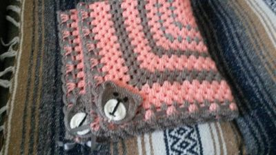 GRANNY SQUARE BABY THROWS
