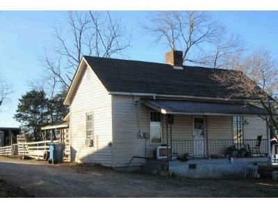 2 Bed 1 Bath Foreclosure Property in Granite Falls, NC 28630 - Central Ave