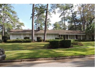 2.5 Bath Preforeclosure Property in Thomasville, GA 31792 - Edgewood Dr