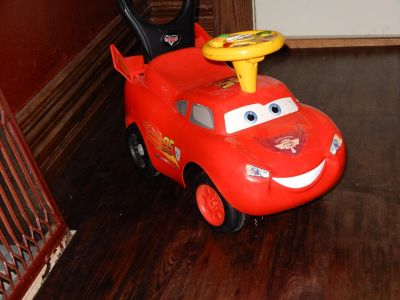 Lightening McQueen (Disney Pixar) ride on/push car with sounds & songs (works)