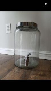 Drink dispenser made of glass. Like new condition.