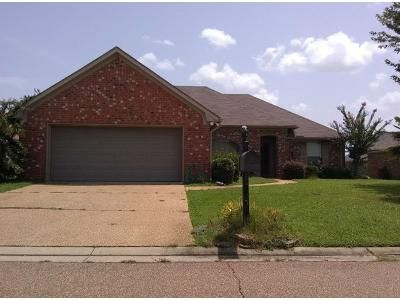 3 Bed Preforeclosure Property in Pearl, MS 39208 - Planters Dr
