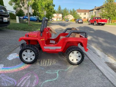 Great condition Jeep Power Wheels- brand new 12volt battery!