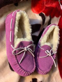 Size 3 ugg slippers