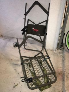 Amaker Outdoors self- climber tree stand