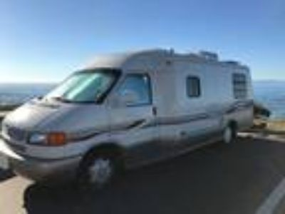 2001 Winnebago Rialta 22HD Motor Home