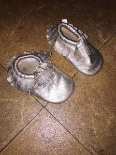 Teeny toes brand baby shoes size 3