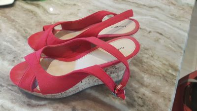 Great comfortable red sandals heel not to high