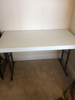 Sturdy folding table - perfect condition
