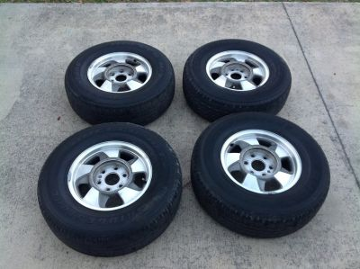 2001 Chevy Suburban Tires and Rims