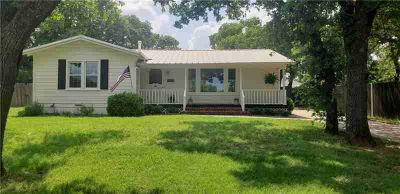407 S Virginia Avenue Eastland Two BR, CHARMING is the perfect