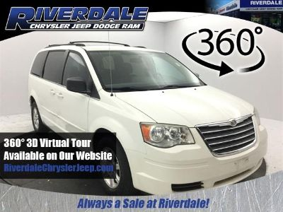 2010 Chrysler Town & Country LX (Stone White Clearcoat)