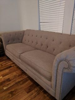 Beautiful 6 foot couch in great condition