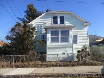 3 Bed 2.0 Bath Foreclosure Property in Fall River, MA 02724 - Bowen St