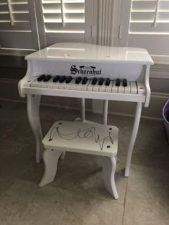 Toddler white piano and seat $25