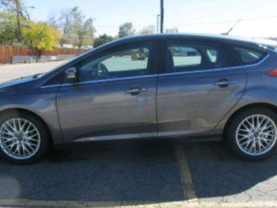 2013 Ford Focus Titanium (Sterling Grey)
