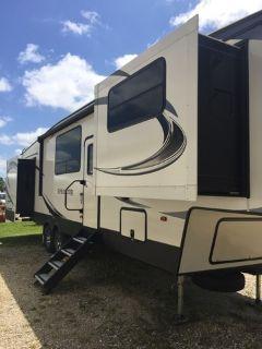 2018 Keystone Sprinter Limited (Fifth Wheel) 334FWFLS