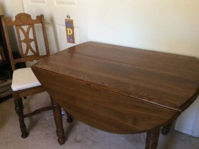 Dining table with leaves and chairs