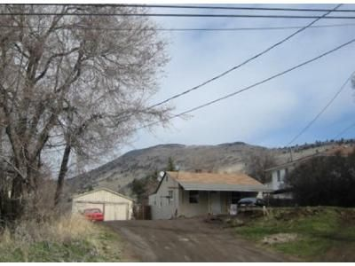 3 Bed 1 Bath Foreclosure Property in Klamath Falls, OR 97603 - Shasta Way