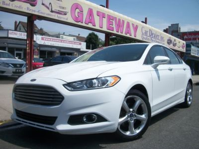 2014 Ford Fusion SE (White Platinum Tri-Coat Metallic)