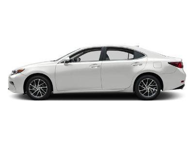 2016 Lexus ES 350 (Eminent White Pearl)