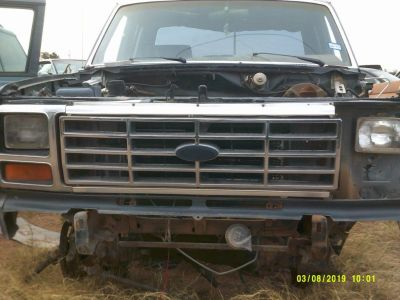1986 Ford F-150 XLT Grille (PARTING OUT)
