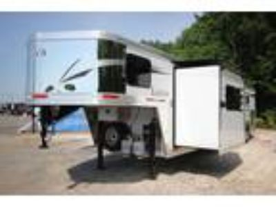 2019 Lakota Trailers 4-Horse Slant Load 13 ft Living Quarters C8413 4 horses
