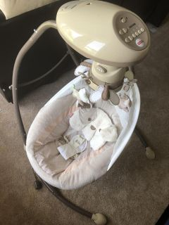Snug A Puppy Baby Swing Great Condition