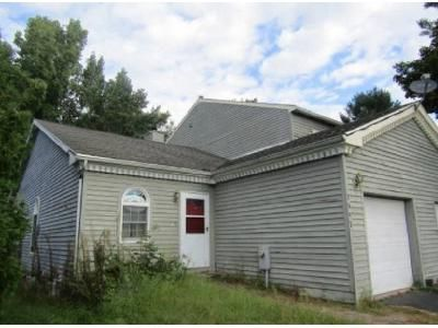 2 Bed 2 Bath Foreclosure Property in Schenectady, NY 12303 - Suzanne Ln