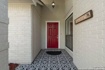 $2895 3 single-family home in NW San Antonio
